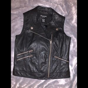 Aéropostale faux leather vest